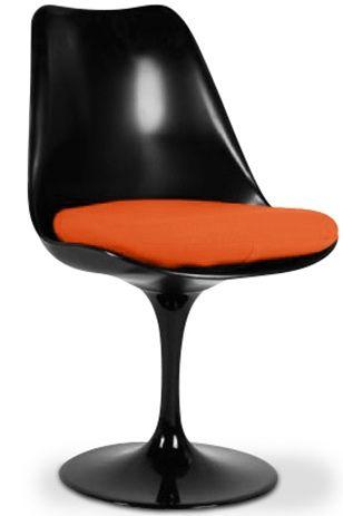 Realisee Avec Des Materiaux Modernes Et De Grande Qualite La Chaise Tulipe Pivotante En Fibre De Verre Couleur Noir Est Fibre De Verre Verre Noir Cuir Orange