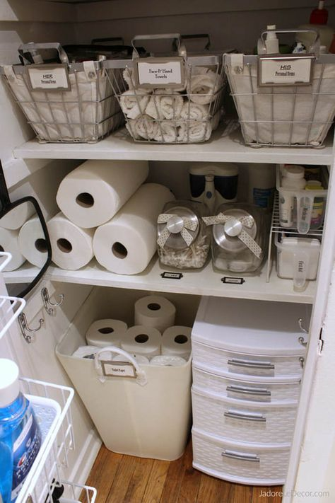 Jan 31 Create a Beautiful and Practical Linen Closet in a Day is part of Apartment Organization Closet - www JadoreLeDecor com Simple tips to creat an organized small linen closet Small home and apartment organization hacks College Closet Organization, Bathroom Closet Organization, Small Apartment Organization, Diy Organization, Bathroom Storage, Dorm Bathroom Decor, Small Apartment Hacks, Organizing Small Apartments, Apartment Ideas College