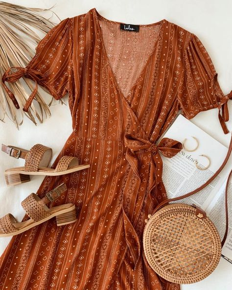 Today just got a lot cuter thanks to the Lulus Tabatha Rust Orange Print Wrap Midi Dress! Gauzy woven dress with tying, short sleeves and a surplice neck. Cute Dresses, Casual Dresses, Summer Dresses, Maxi Dresses, Awesome Dresses, Floral Dresses, Teen Dresses, Look Fashion, Autumn Fashion