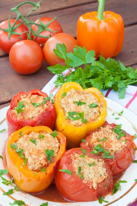 Meat And Rice Stuffed Bell Peppers And Tomatoes Russian Style Recipe Stuffed Peppers Healthy Rice Recipes Recipes