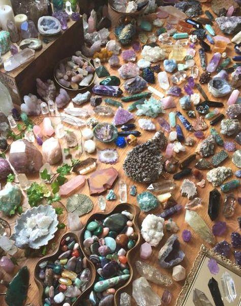 Crystal Magic, Crystal Grid, Crystal Healing, Crystal Altar, Crystal Garden, Crystal Shop, Crystals And Gemstones, Stones And Crystals, Gem Stones