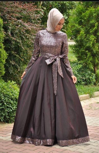 Armine Kuyruklu Tesettur Kabarik Abiye Modelleri Victorian Elbiseler Elbise Modelleri Kiyafet