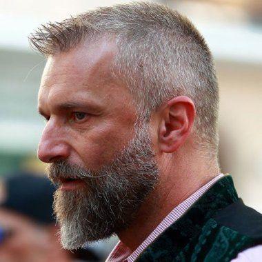 90 Perfekte Haarschnitte Fur Den Mann Mit Geheimratsecken In 2020 Haarschnitt Manner Frisuren Manner Frisuren