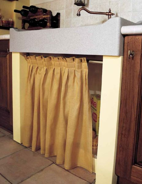 sottolavello chiuso da tendina in tessuto | Idee per la casa ...