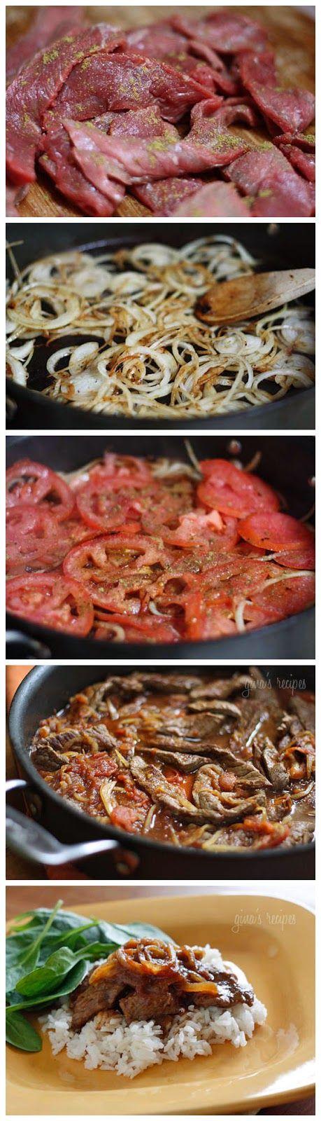 Estofado de bisteck en salsa de jitomate acompañado de arroz