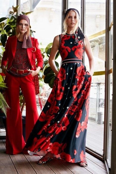 Vehicles stop on a red light. Make people stop with this red Elie Saab Parigi Pre-Spring 2019 look