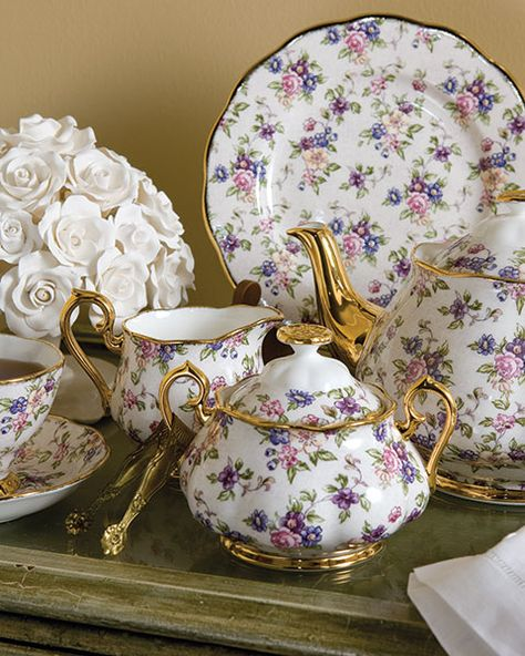 Royal Albert- Tea Set with Gold Trim; English Chintz In the Royal Doulton Company celebrated the centennial of its Royal Albert Collection. TeaTime Magazine celebrates a decade of distinctive patterns. Antique China, Vintage China, Vintage Teacups, Tea Sets Vintage, Royal Doulton, Teapots And Cups, China Tea Cups, Tea Service, My Cup Of Tea