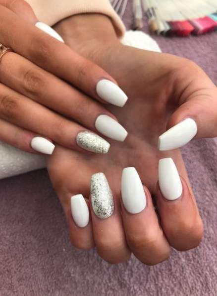 Nails White Coffin Ring Finger 27 Ideas White Acrylic Nails Glitter Accent Nails Trendy Nails