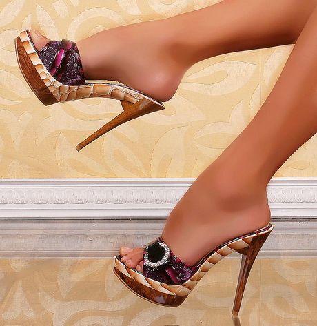 Holz high heels | Sandalen mit absatz, Hochhackige schuhe