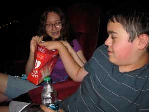 Teach your kids how to appropriate manners in the movie theater with this visual social story.     Mind your manners! Being polite at the movie theater