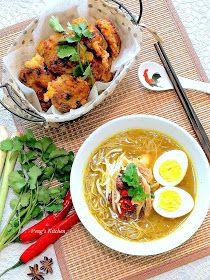 Peng S Kitchen Mee Soto Ayam Begedil Ayam Makanan Indonesia