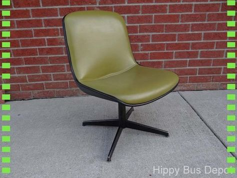 Mid Century Modern ATOMIC Green Vinyl Steelcase Office or Desk Side Chair  WHEELS 39ad67e45