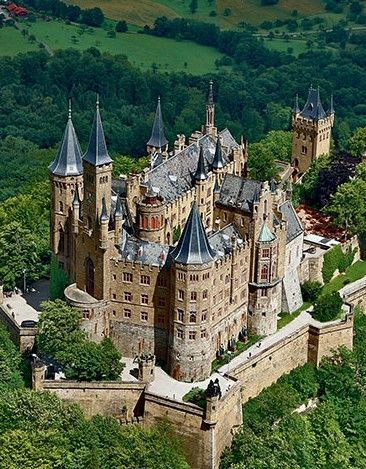 Burg Hohenzollern The Hohenzollern Castle Is The Ancestral Seat Of The Imperial House Of Hohenzollern The Thi Medieval Castle Castle House Beautiful Castles