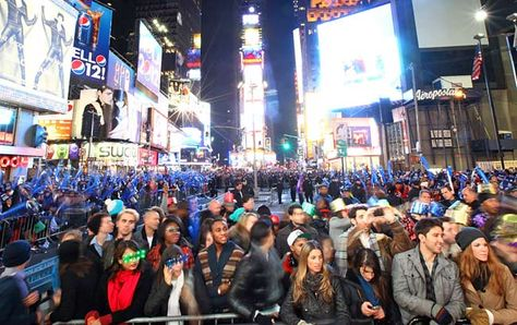 Times Square Ball Drop On New Year S Eve Holidays In New York