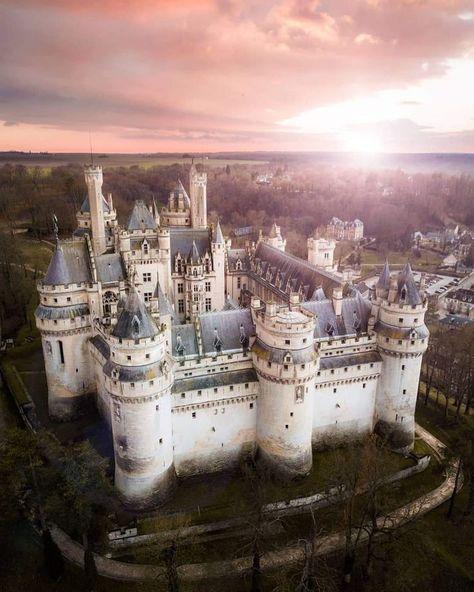 Pierrefonds Fortress, France. Picture instagram.com/rhaulphotography - #Castle #France #instagramcomrhaulphotography #photo #Pierrefonds