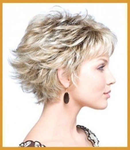 Amazing Short Layered Hairstyles Ideas21 #WomensHairstylesLongCurly