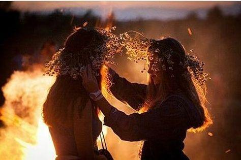 Anne Of Green Gables, Outlander, Yennefer Of Vengerberg, Anne Shirley, Beltane, Sabbats, Witch Aesthetic, Foto Pose, Summer Solstice