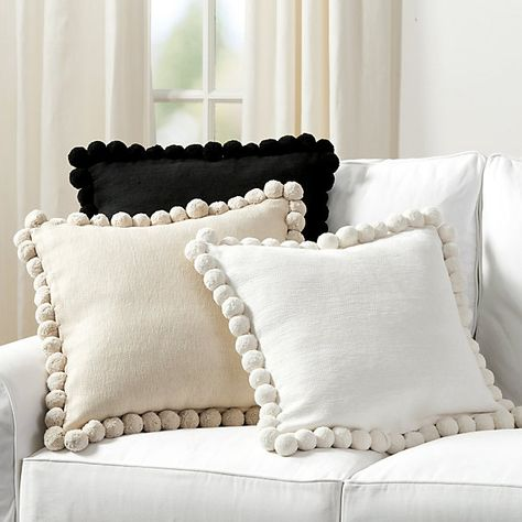 Cuscini A Terra.Terra Pom Pom Pillow Cover Cuscini Decorativi Cuscini