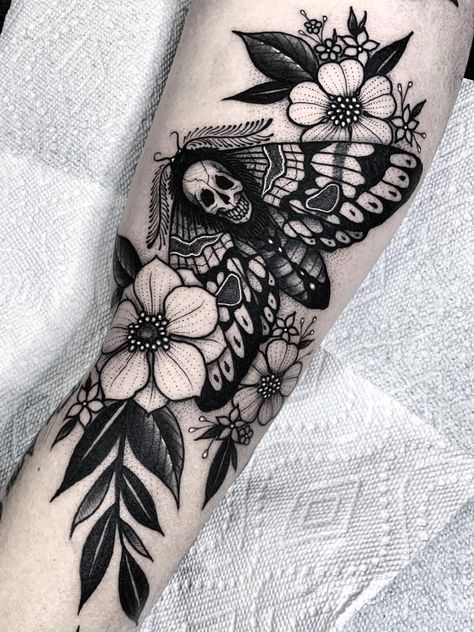 Angelo Parente > Death Moth and Flowers Best Sleeve Tattoos, Sleeve Tattoos For Women, Body Art Tattoos, Tattoos For Guys, Tattoo Ink, Black Sleeve Tattoo, Tattoos Skull, Forearm Tattoos, Cool Guy Tattoos
