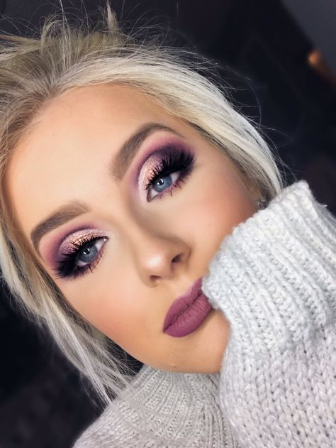 Twitter Purple Eye Makeup, Smokey Eye Makeup, Eyeshadow Makeup, Hair Makeup, Purple Eyeshadow Looks, Eyeshadow Palette, Purple Smokey Eye, Purple Makeup Looks, Cut Crease Makeup