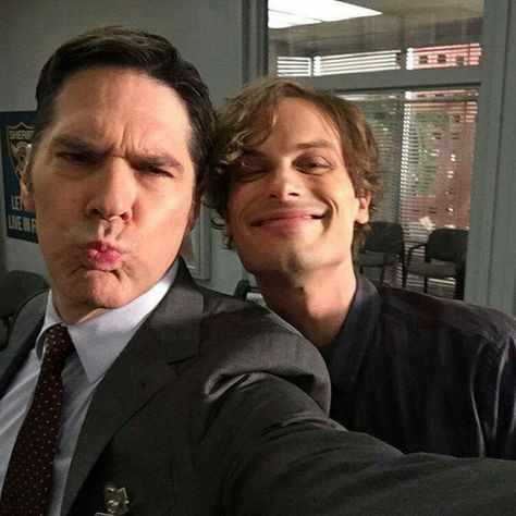 Thomas Gibson a.a Aaron Hotchner and Matthew Gray Gubler a. Spencer Reid from Criminal Minds Criminal Minds Funny, Spencer Reid Criminal Minds, Criminal Minds Cast, Matthew Gray Gubler, Matthew Grey, Dr Reid, Dr Spencer Reid, Thomas Gibson, Behavioral Analysis Unit