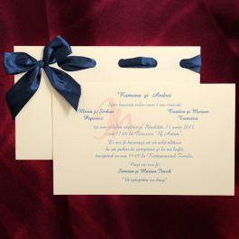 Invitatia Are Fundalul Crem Iar Culoarea Textului Este Albastra