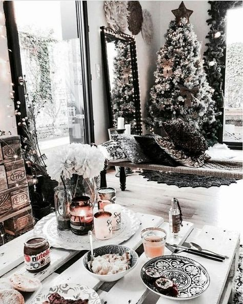 35 Trendy & Cozy Holiday Decorating Ideas