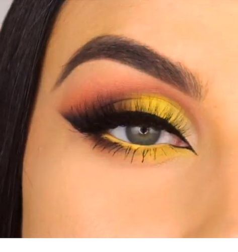 Charming  Eye Makeup Ideas To Try ASAP