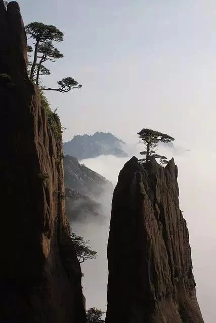 China Offers Many Different Terrains All With Their Own Natural Beauty Posted By Sifu Derek Frearson With Images Black And White Landscape Nature
