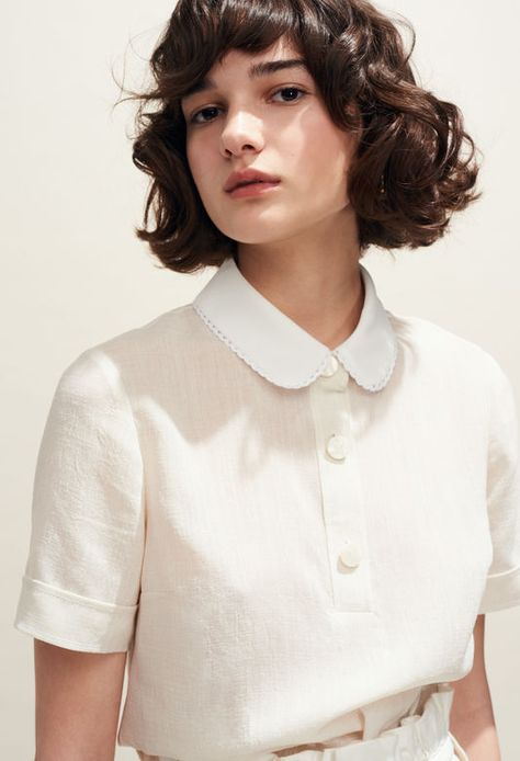 Discover the tops and shirts (printed shirt, Peter Pan collar top, etc.) from the Claudie Pierlot Spring-Summer 2018 Collection, available on the official online store. Classy Outfits, Pretty Outfits, Vintage Outfits, Peter Pan Collars, Fashion 2020, Paris Fashion, Minimal Fashion, Dame, Fashion Dresses