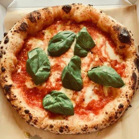 Neapolitan Pizza Dough Recipe, Neopolitan Pizza, Pizza Pan Dough Recipe, Healthy Pizza Dough, Italian Pizza Dough Recipe, Napoli Pizza Recipe, Pizza Napoli, Just Pizza, Good Pizza