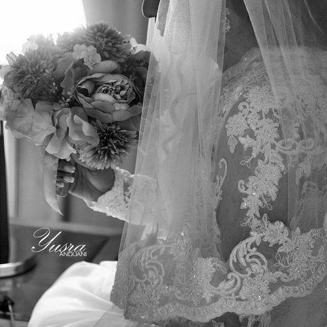 ولما عاهدت نفسي على نسيانك دعوت الله سهوا أن يبقيك لي يسرا انديجاني مصوره خبيره تجميل جده زفه حلا حلويات فستان Wedding Photography Wedding Bride