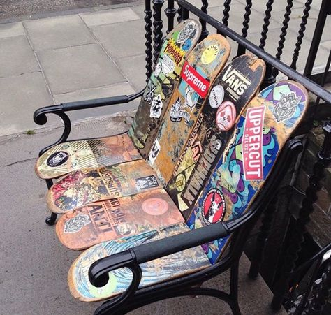 Daily news about everything related to graffiti & street art. - matters Daily news about all things graffiti & street art . Erna Striebitz streetart Daily news about everything related to graffi Street Art Graffiti, Best Graffiti, Street Art Quotes, Skateboard Furniture, Skateboard Art, Skateboard Bedroom, Skateboard Design, Ville New York, Street Artists
