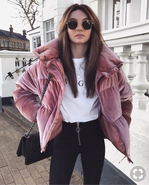 30 Cozy Outfit Idea You Need To Wear In Winter One explicit such winter outfit that gives an ideal mixture of fashion and modesty embrace winter jackets for ladies, which […]