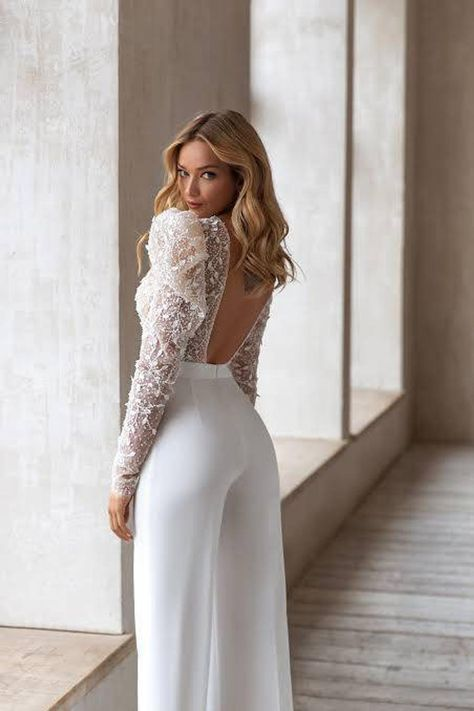 Dress Silhouette Feature - The Sophisticated Pantsuit Wedding Dress   PreOwned Wedding Dresses