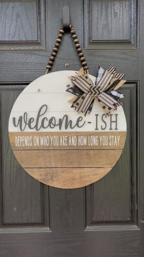 Diy Signs, Wall Signs, Crafts To Do, Home Crafts, Front Door Decor, Front Door Signs, Wood Signs For Home, Home Decor Signs, Diy Home Decor