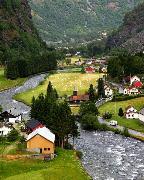Flåm, Norway CLICK THE PIC and Learn how you can EARN MONEY while still having fun on Pinterest