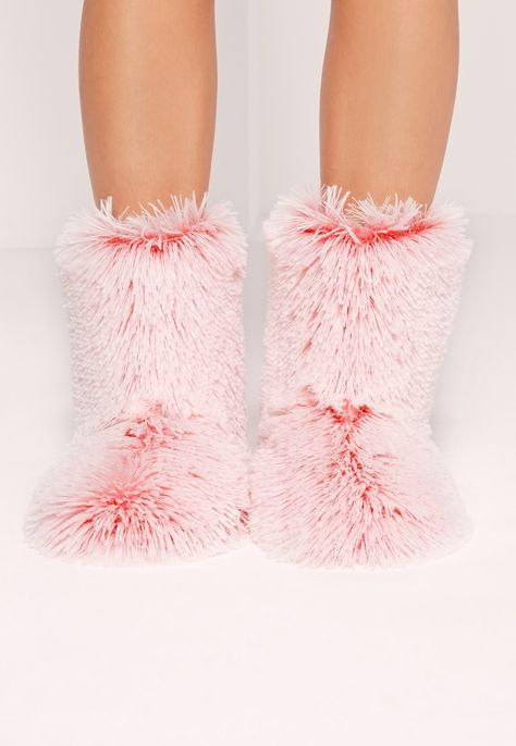 All About Colorful Faux Fur For AW2017 – CLOSET FULL OF DREAMS