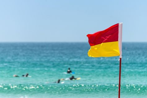 The Complete List Of Beach Flags And Warning Signs Beach Flags Hawaii Beaches Sydney Beaches