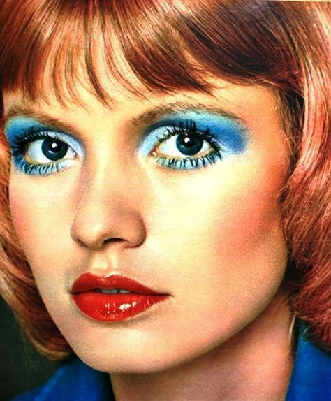 Blue eyeshadow: The good, the bad & the ugly vintage makeup eye makeup blue - Eye Makeup 70s Disco Makeup, 80s Eye Makeup, Blue Eye Makeup, 1980s Makeup And Hair, 1980 Makeup, Ugly Makeup, Bad Makeup, Vintage Makeup, Retro Makeup