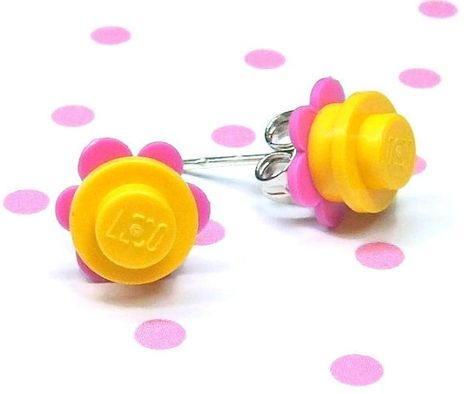 Crazy Daisy earrings made of LEGO® pieces – yellow and dark pink – Schmuck – Dremel