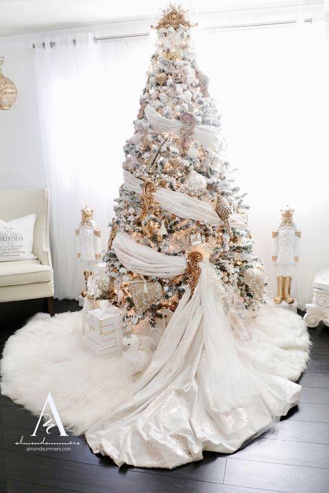 Elegant Christmas Trees, Christmas Tree Design, Christmas Tree Themes, Christmas Tree Toppers, Gold Christmas, Christmas Tree Decorations, Christmas Wreaths, Vintage Christmas, Xmas Tree