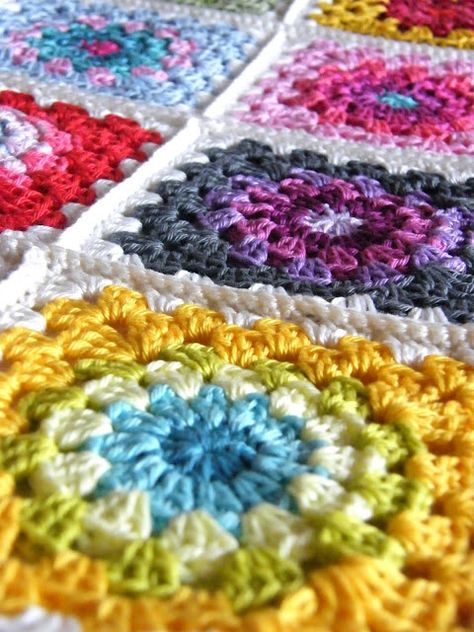 Annies Place: Happy Flower Block Tutorial