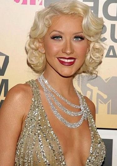 Retro Hairstyle Is An Old Style But In Recent Years You May Have Occasionally Seen Modern Stars Wearing Retro H In 2020 Retro Hairstyles Hair Styles Vintage Hairstyles