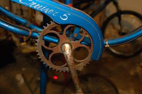 A Bicycle's point of view: How to Restore a bicycle- Part 1-Dissassembly and rust removal