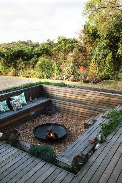 Awesome DIY Kamin Ideen - Outdoor-Feuerstelle mit kleinem Budget - Do It Yourself F… - Diyprojectgardens.club - Super DIY Kamin Ideen – Outdoor-Feuerstelle mit kleinem Budget – Do It Yourself F … - Backyard Seating, Backyard Patio Designs, Fire Pit Backyard, Backyard Fireplace, Deck With Fire Pit, In Ground Fire Pit, Fireplace Outdoor, Garden Fire Pit, Outdoor Fire Pits