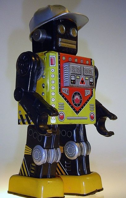 Vintage Toy Tin Wind-Up Robot