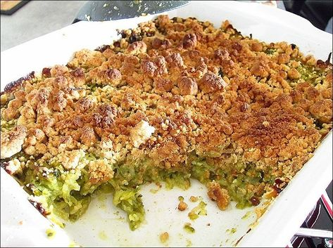 Crumble de courgettes, basilic et parmesan