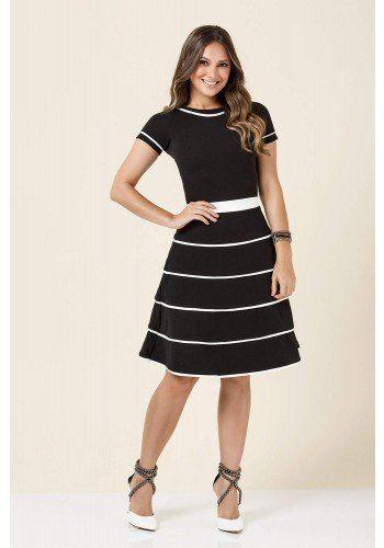 3537e2eda086 modelo cabelo castanho vestido preto e branco gode tatamartello ...