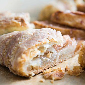 Elsie S Homemade Sour Cream Pastry Crust Borden Dairy Recipe In 2020 Sour Cream Pastry Flaky Pastry Crust Homemade Sour Cream
